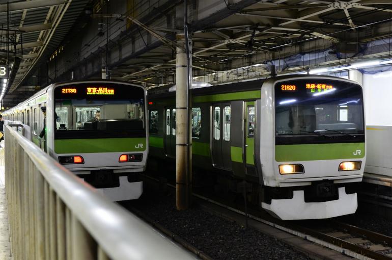 12/18 上野駅にて山手線を少し