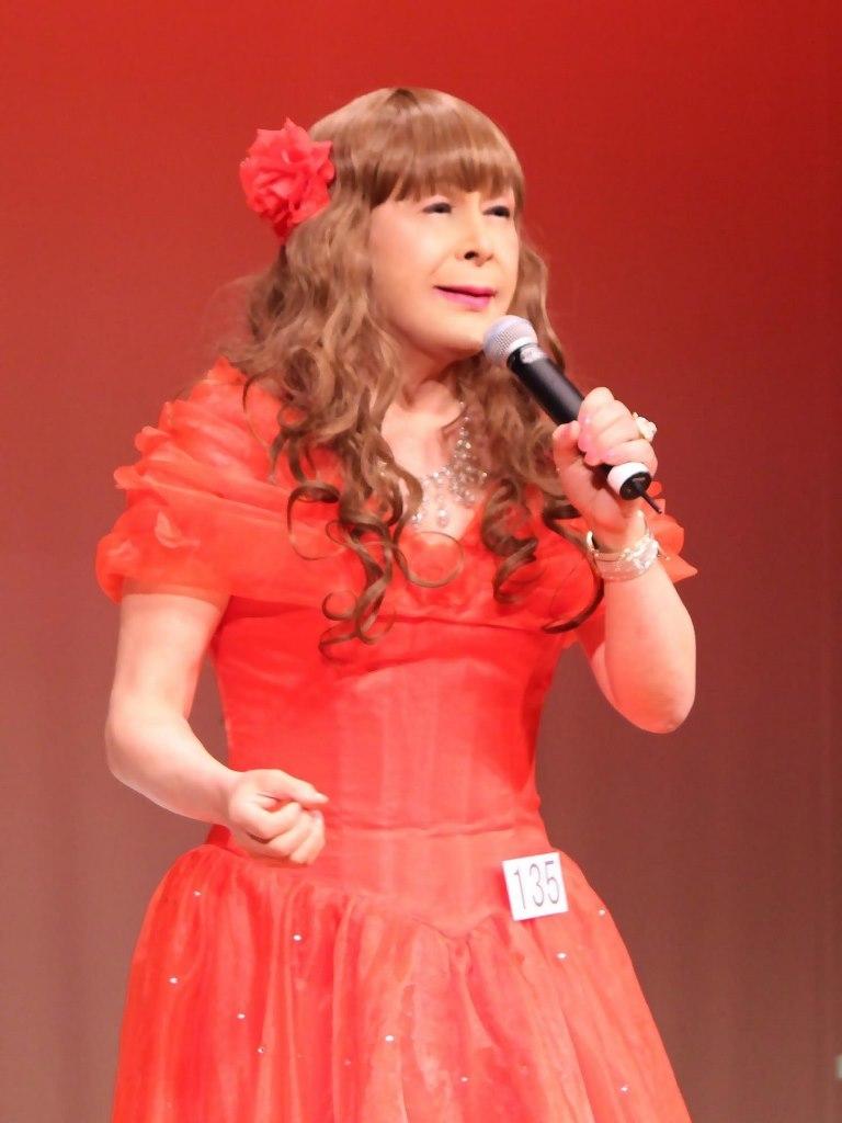赤いドレス舞台(12)
