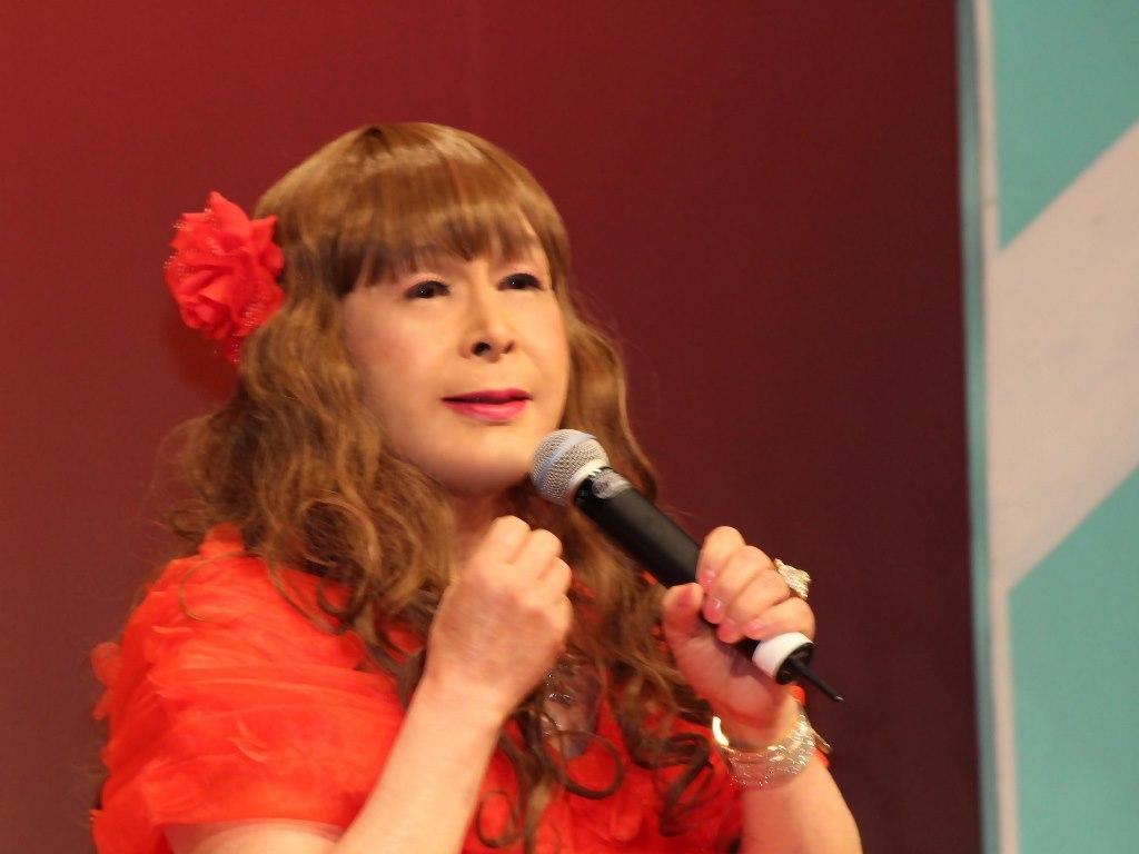 赤いドレス舞台(14)
