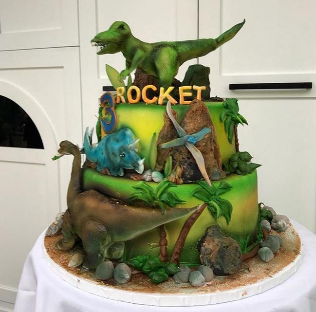 サムの息子ロケットくん3歳のバースデーケーキ!