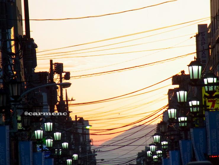 夕景富士見通りの富士山