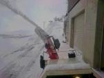 朝の車庫前除雪