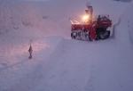 夕方の私道除雪