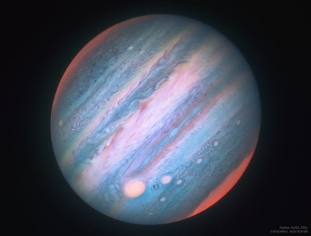 JupiterIR_HubbleSchmidt_960.jpg