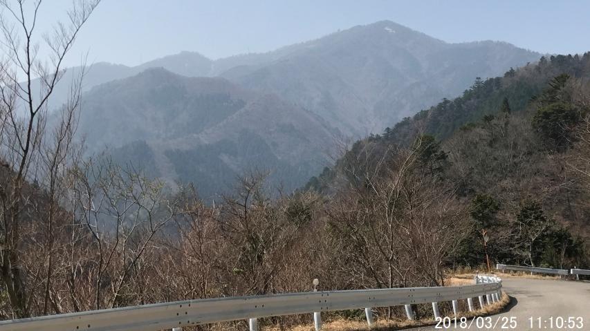 雲早トンネルを抜けて少し降りると高城山が見えてきた