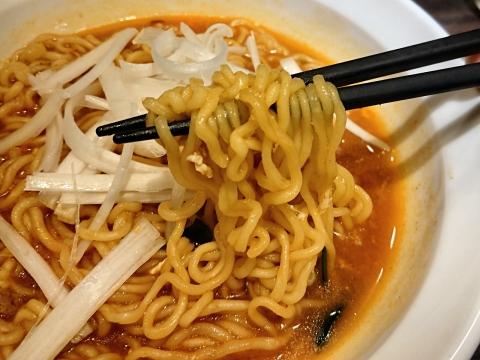 麺リフティング@韓国袋麺チャーメン