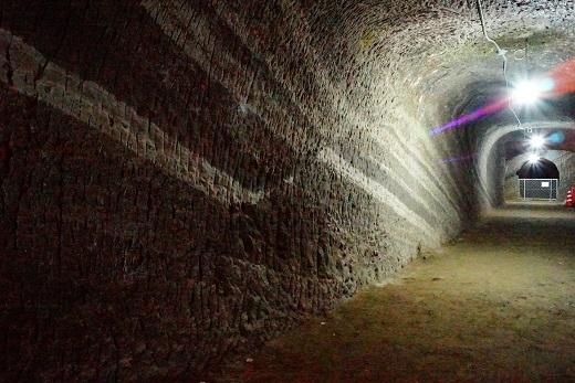 赤山地下壕 正断層