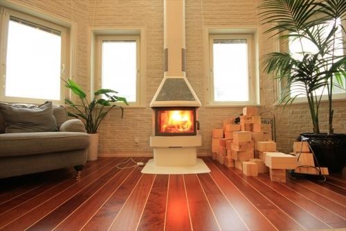 スウェーデンホーム 暖炉