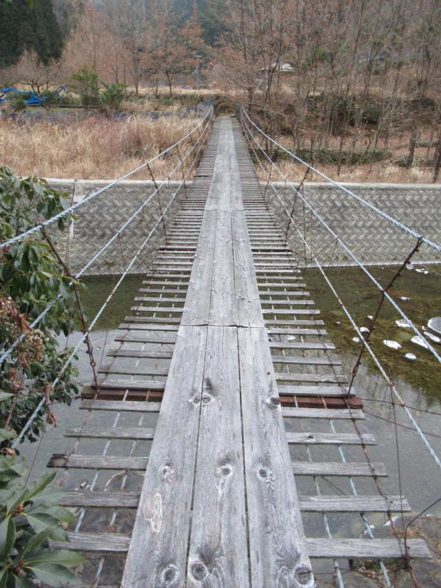 上板の吊橋c