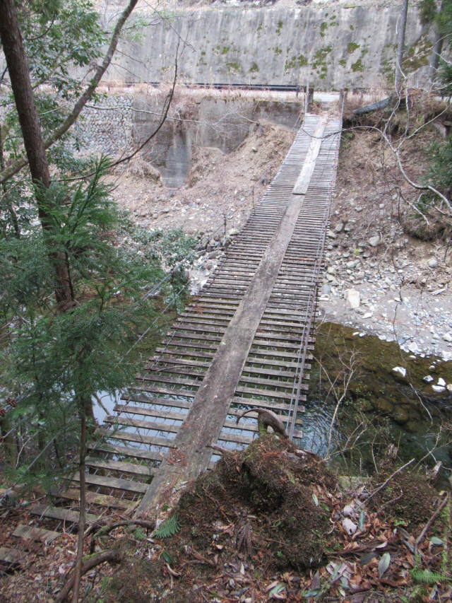 上小藪川の吊橋2-2