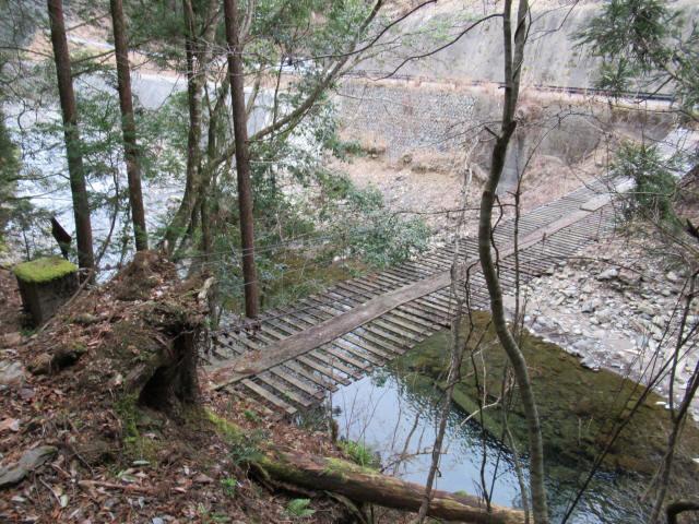 上小藪川の吊橋2-1