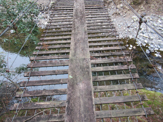 上小藪川の吊橋2-9