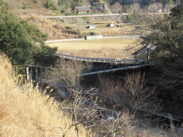 向垣内の吊橋2
