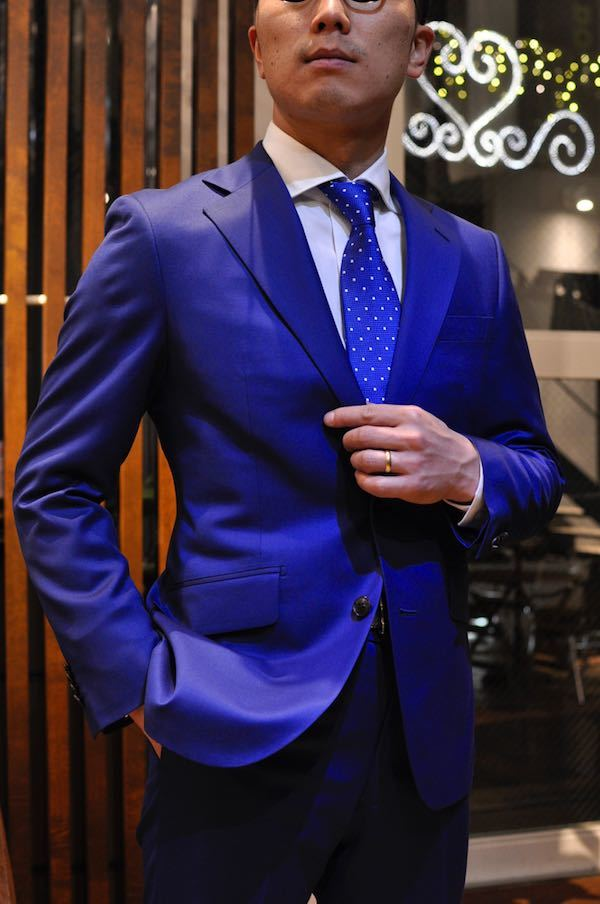ブルースーツドーメル