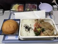 桃園発関西空港行き機内食180208