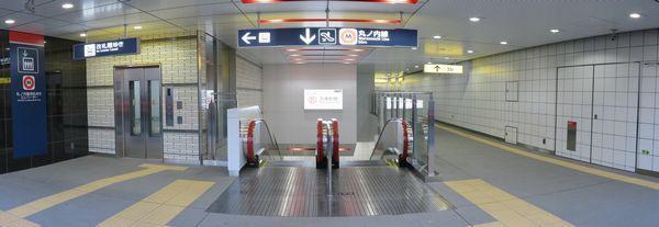 3a出口はエレベータと上下エスカレータが設置