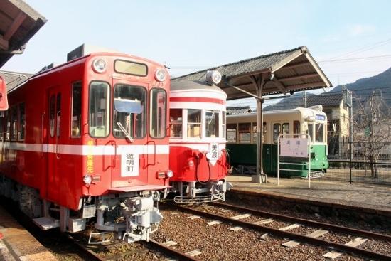 ④名鉄美濃駅2 (550x367)