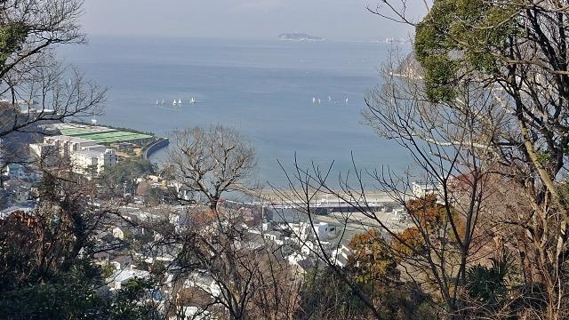 5阿部倉山から江の島を望む