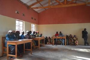 写真1:養蜂グループのミーティングの様子