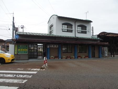 内灘駅 駅舎