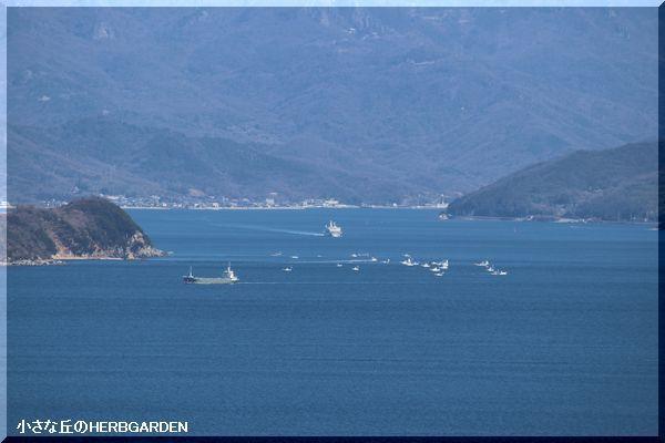 600 小豆島・草壁港から高松へフェリーが走る