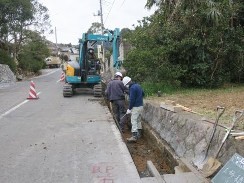 「風返峠十三塚排水路整備工事」③
