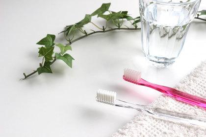 スターウォーズ歯ブラシスタンドとデントヘルス薬用ハミガキをプレゼント!