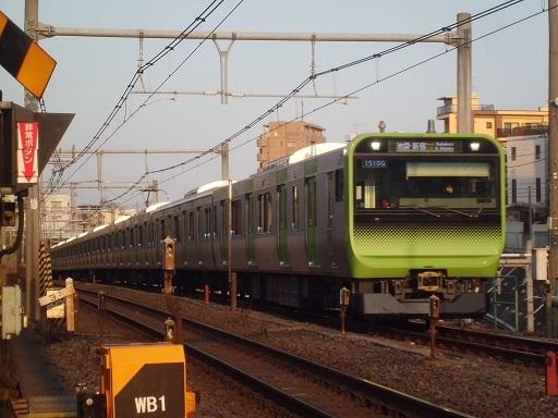 E235系トウ09編成