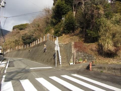 金鶴神社・山之神神社碑登り口
