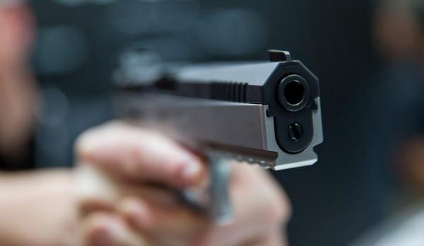 警察 拳銃