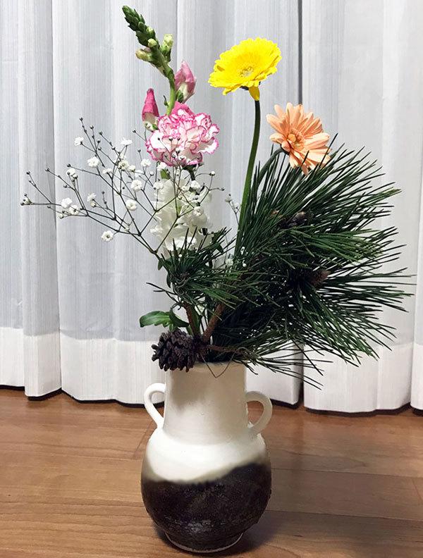 花瓶に花活け01