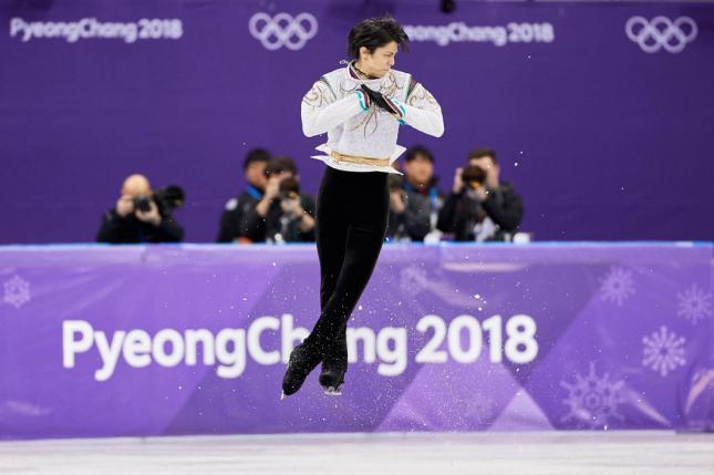208-02-17-figure-skating-men-inside-01_convert_20180217222259.jpg