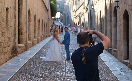 wedding-3050939__340.jpg