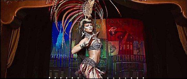 012-リアーナの踊り