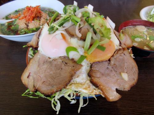 チャーシューエッグ丼