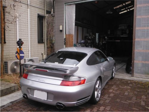 20180224_996turbo_garage.jpg