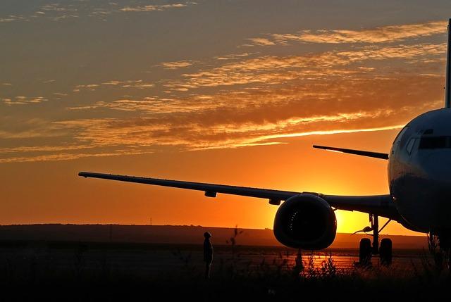 airplane-3149285_640.jpg