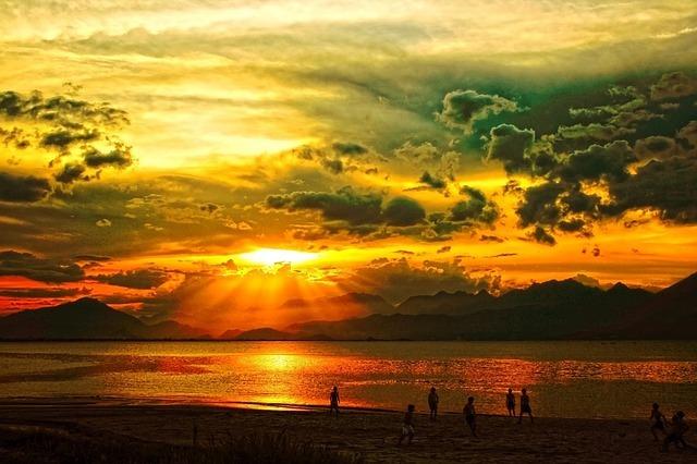 sunset-219777_640.jpg