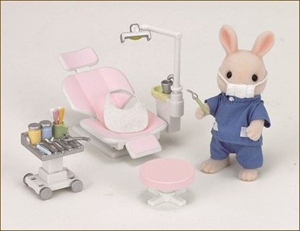 歯科医師「歯石取りますね」彡(^)(^)「気持ち良さそうやな!頼むで!」