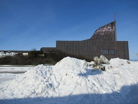 雪と市庁舎