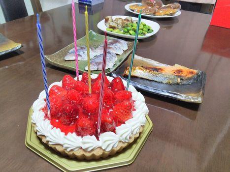 ケーキと鮭