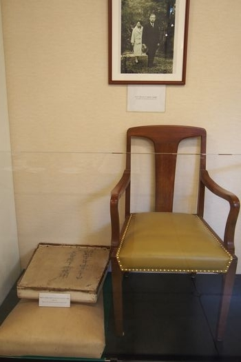 昭和天皇が座った椅子