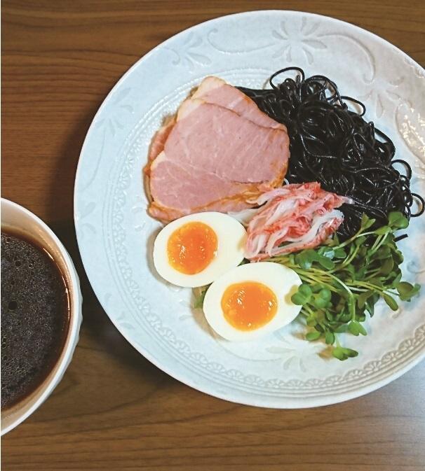 男の黒麺でつけ麺風レシピ