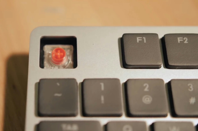 Cooler_Master_New_Keyboard_05.jpg