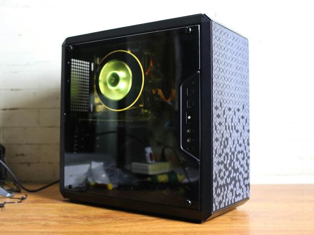 MasterBox_Q300L_01.jpg