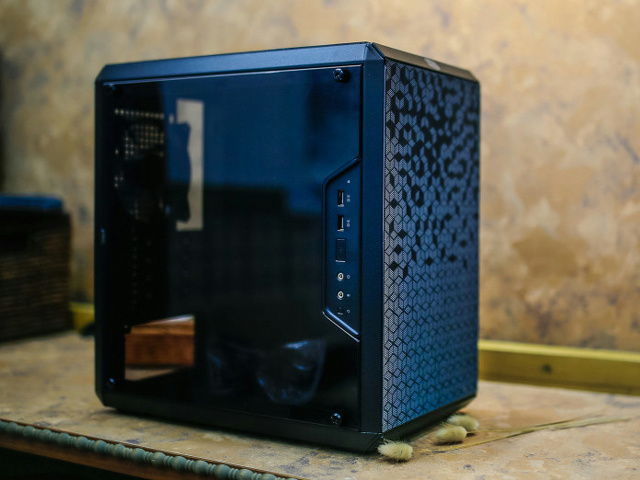 MasterBox_Q300L_04.jpg