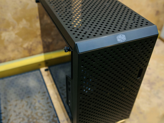 MasterBox_Q300L_09.jpg