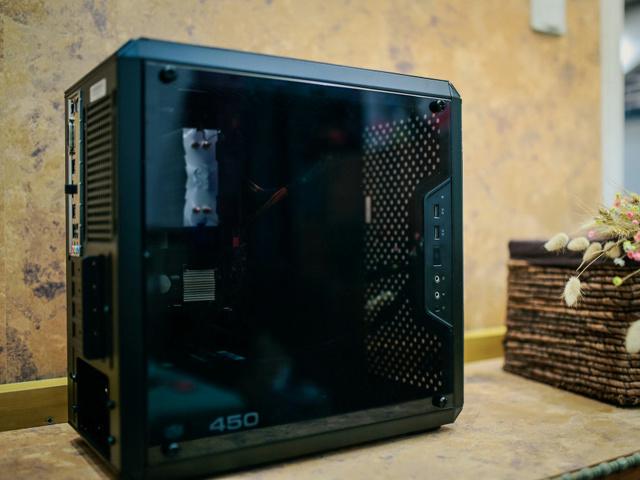 MasterBox_Q300L_10.jpg