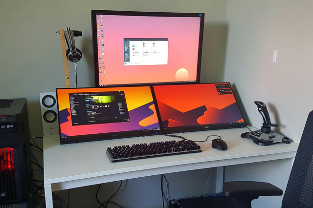 PC_Desk_MultiDisplay109_91.jpg