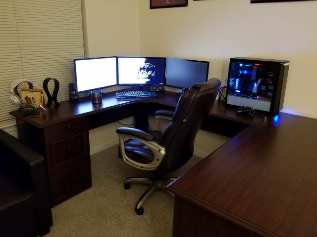 PC_Desk_MultiDisplay110_28.jpg